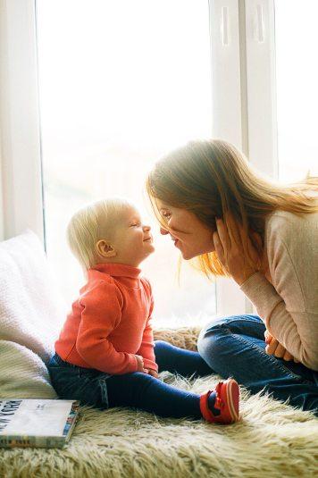 affection-child-cute-1257099