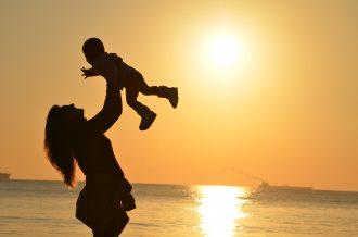 baby-babysitter-babysitting-51953